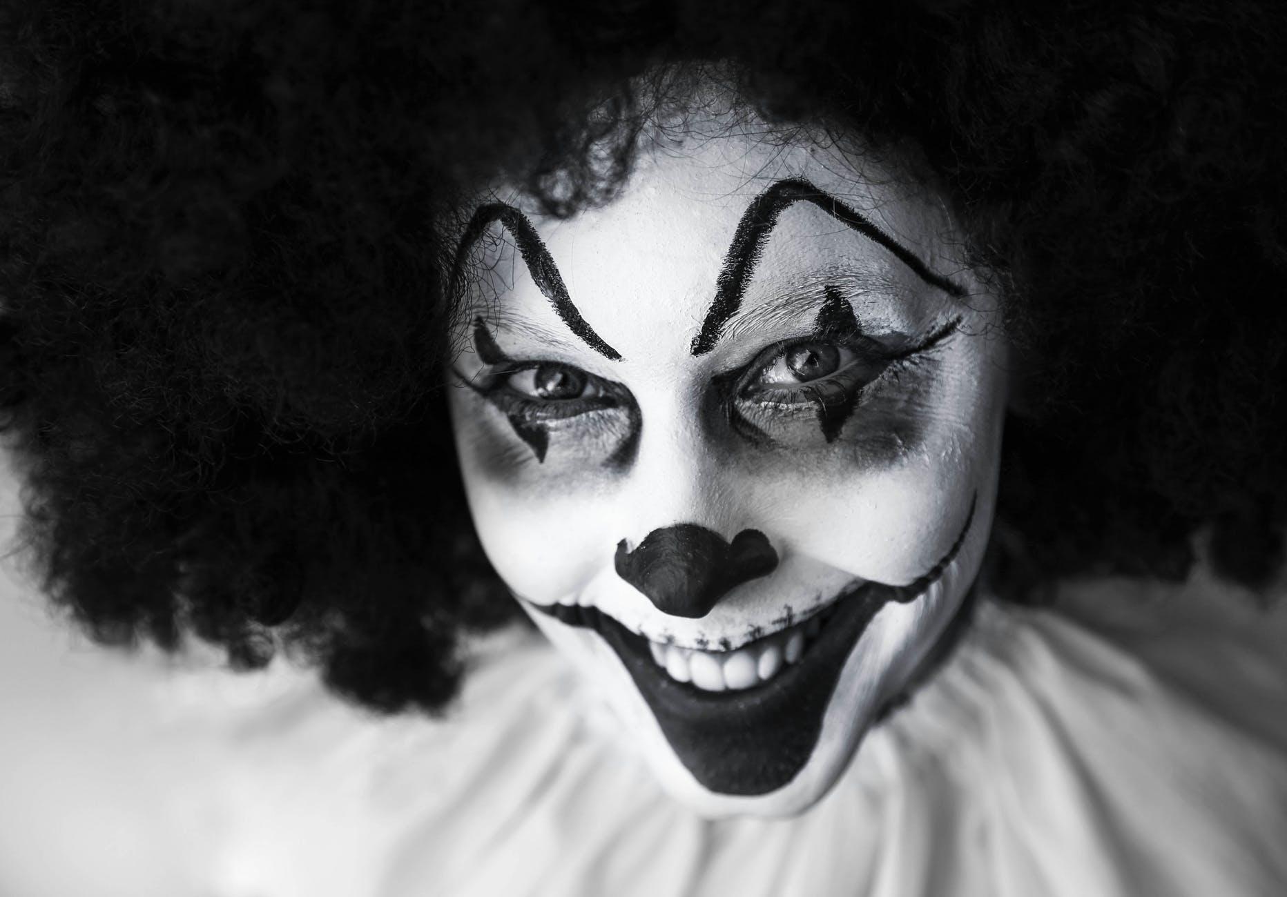 clown creepy grinning facepaint