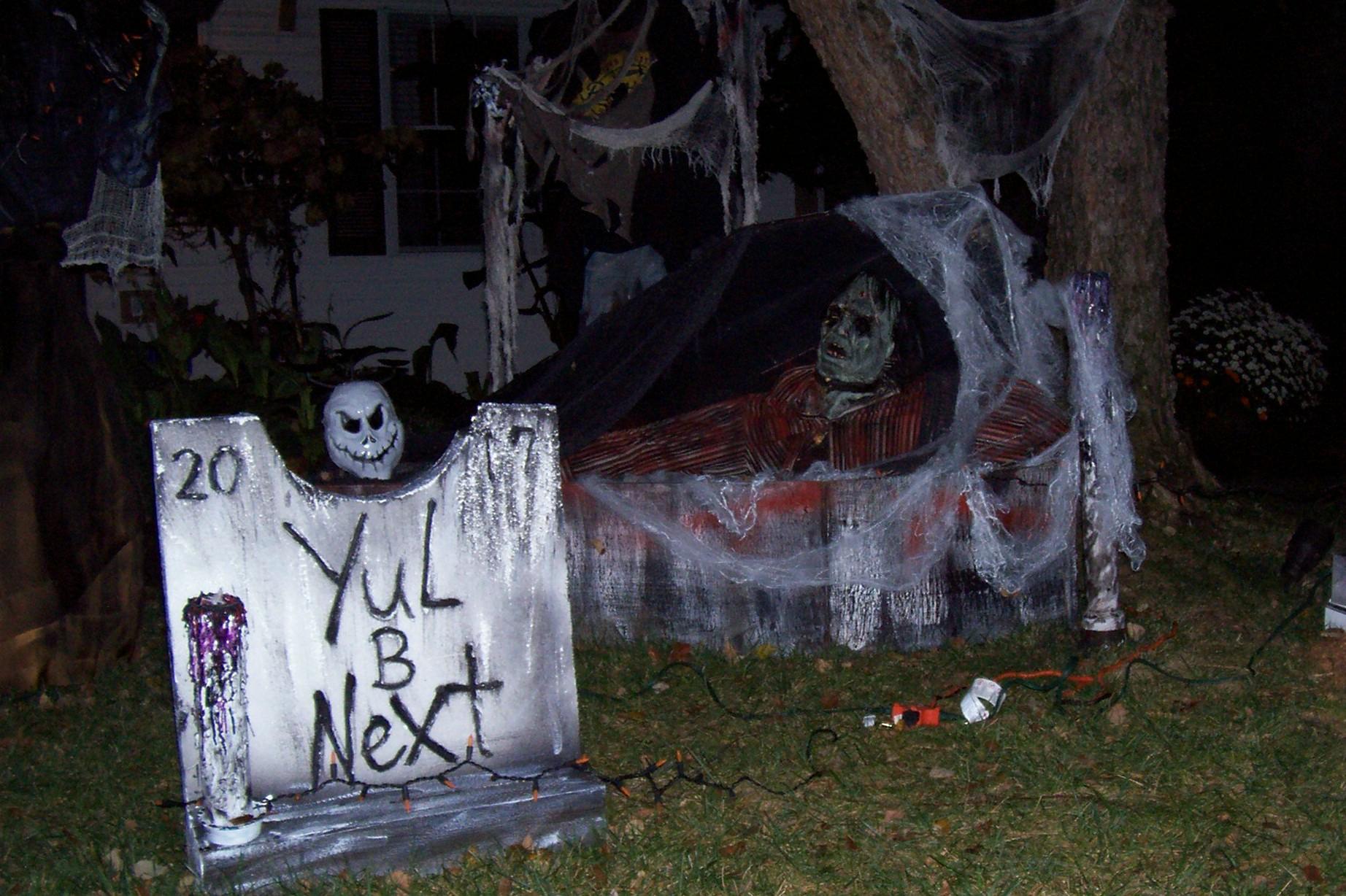 Halloween Scenes 2018 October 001.JPG
