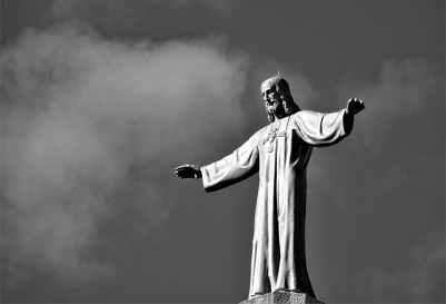 statue of jesus