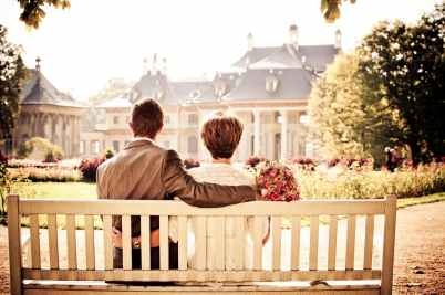 bench couple love bouquet