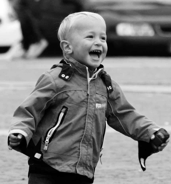 laughter-fun-happiness-boy-51009.jpeg